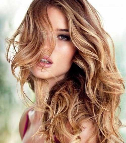Dark brown scene hair with blonde highlights